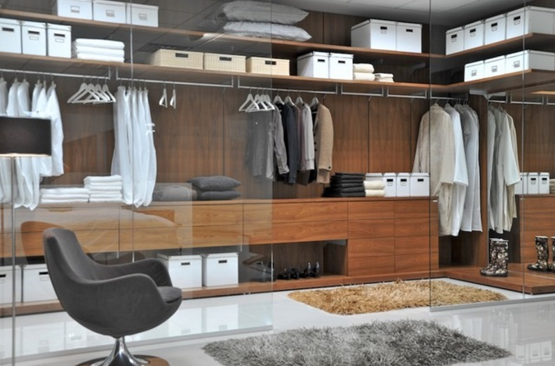 closet com portas de vidro
